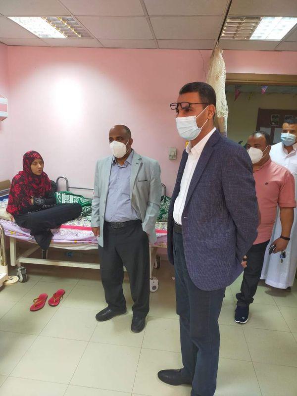 زيارة مصابيين بمستشفي أسوان الجامعى