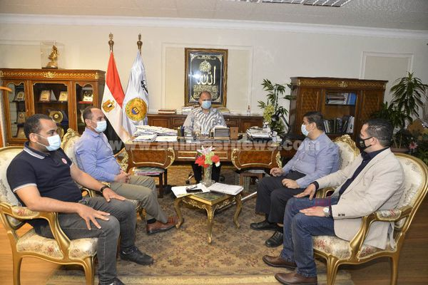 محافظ أسيوط يلتقي عددا من أعضاء مجلسي الشيوخ والنواب