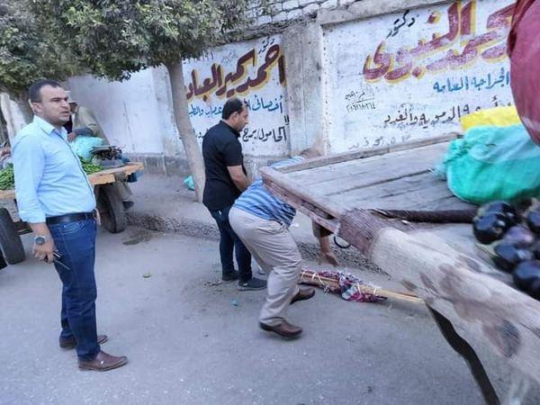 استمرار حملات رفع الإشغالات بشوارع مدينة الحامول