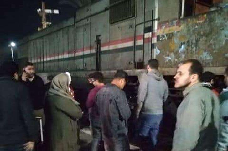 خروج قطار عن القضبان بمحطة السنطة في الغربية