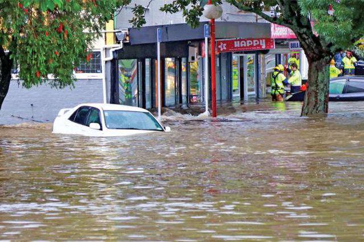إجلاء مئات الأشخاص بسبب الفيضانات في نيوزيلندا