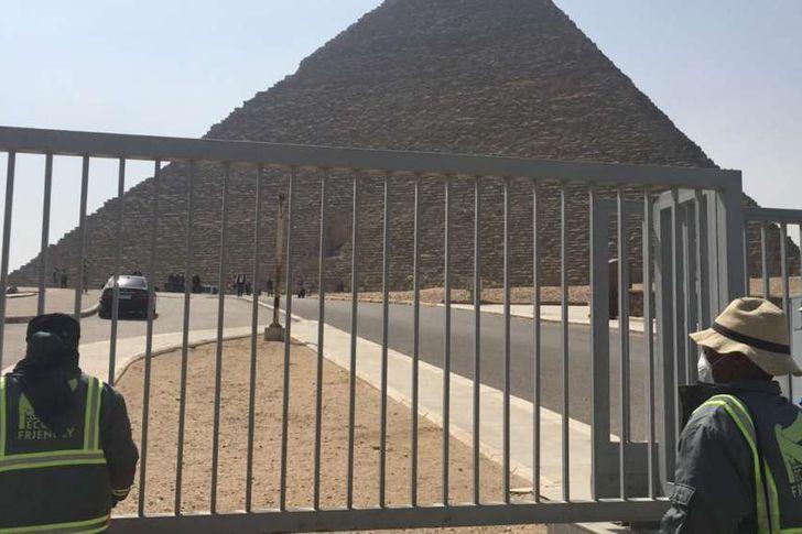 تطهير منطقة آثار الهرم