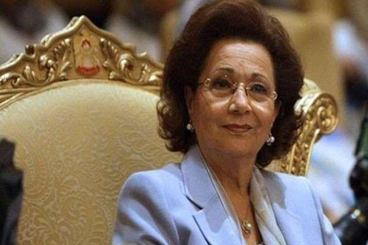 سوزان مبارك تتلقى معايدة في عيد الأم