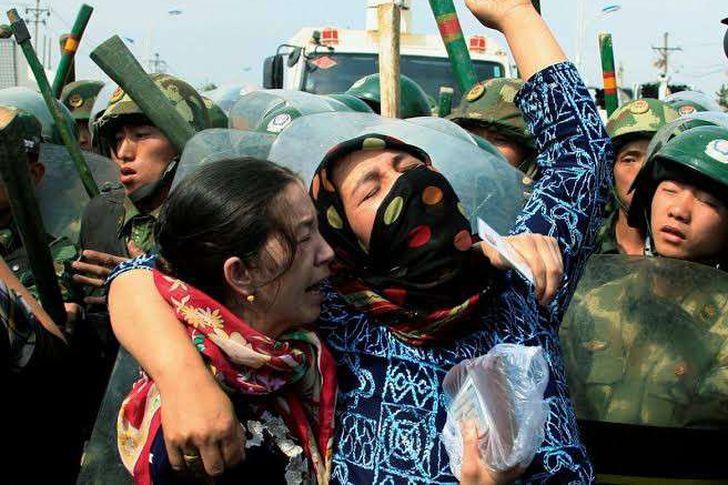 اضطهاد مسلمي الايغور