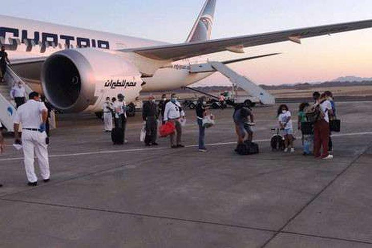 عودة العالقين في الإمارات