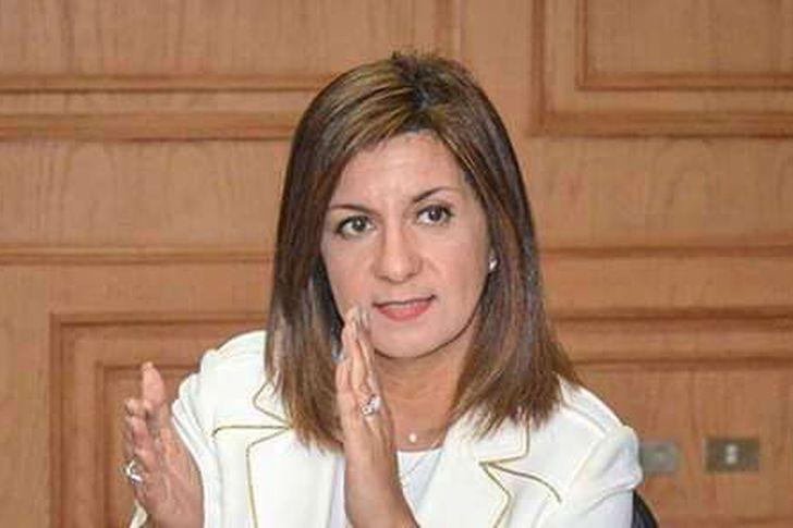وزيرة الهجرة : اعادة جميع المصريين العالقين بالخارج قبل عيد الفطر