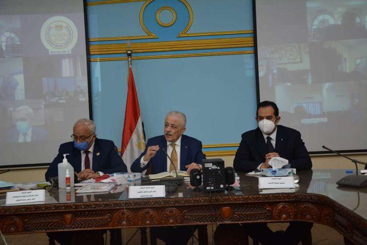 """التعليم """" استبدال رئيس لجنة بالوادي الجديد لعدم التزامه بضوابط الوزارة"""