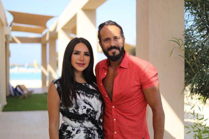 يوسف الشريف وزوجته انجي علاء