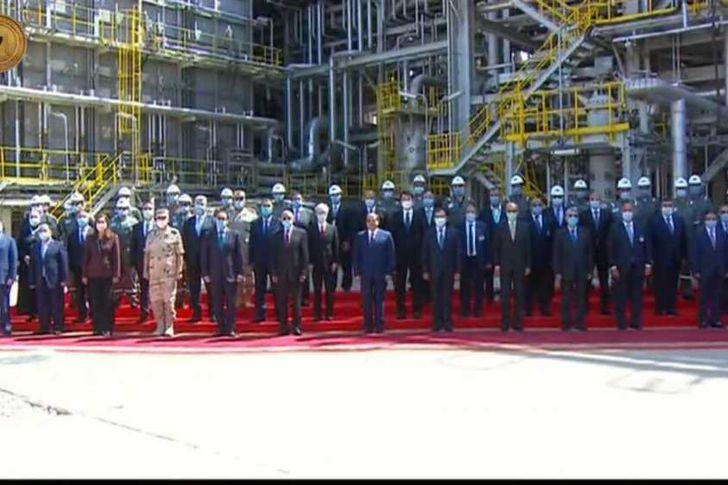 افتتاح  مجمع التكسير الهيدروجيني للبترول في مسطرد