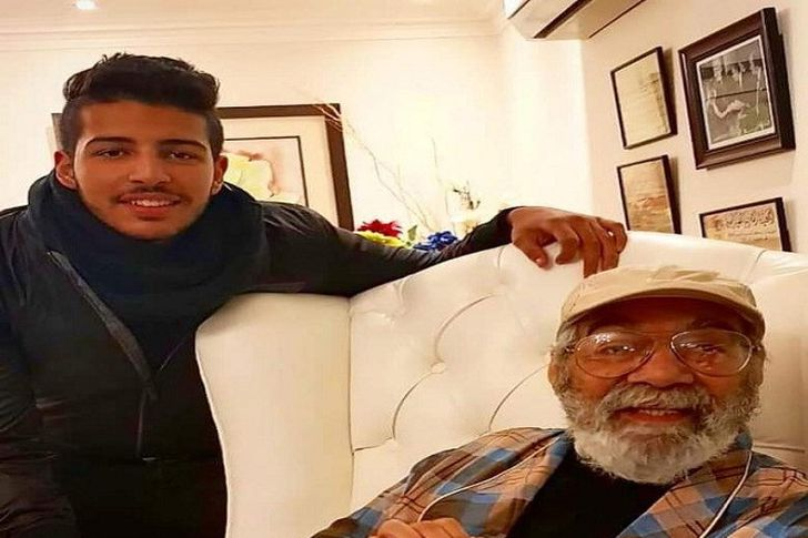 محمود عمرو ياسين وجده الفنان محمود ياسين