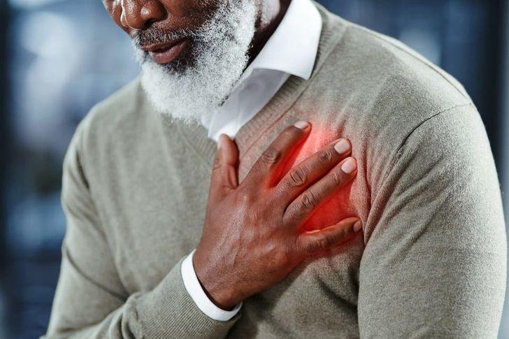 عوامل الخطر المرتبطة بمرض القلب عند كبار السن وكيفية السيطرة عليها