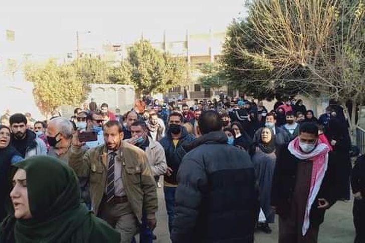 تشييع 7 جثامين من أسرة واحدة يحملون الجنسية السورية
