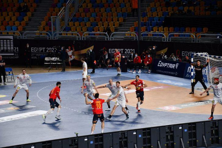 مباراة إسبانيا والدنمارك