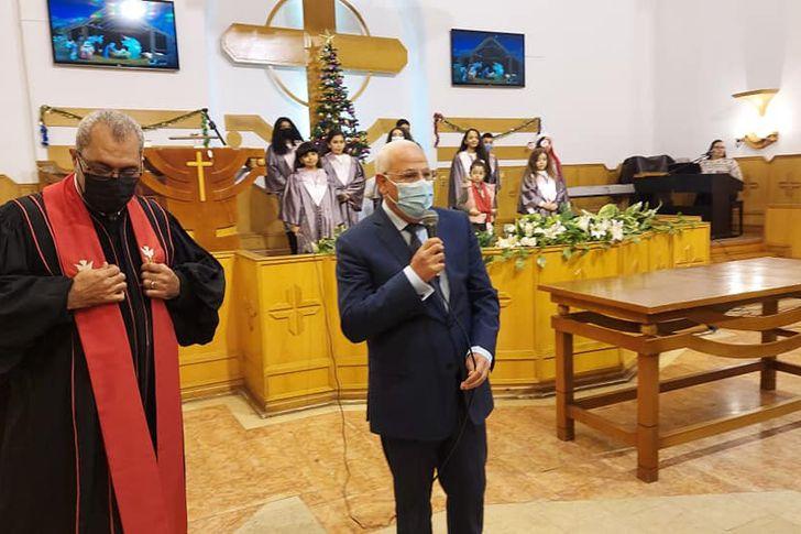 محافظ بورسعيد يزور عدد من الكنائس للتهنئة بعيد الميلاد المجيد