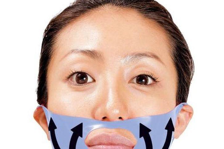 ماسكات طبيعية لعلاج تجاعيد العين