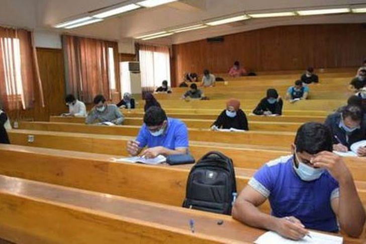 امتحانات الجامعات 2021