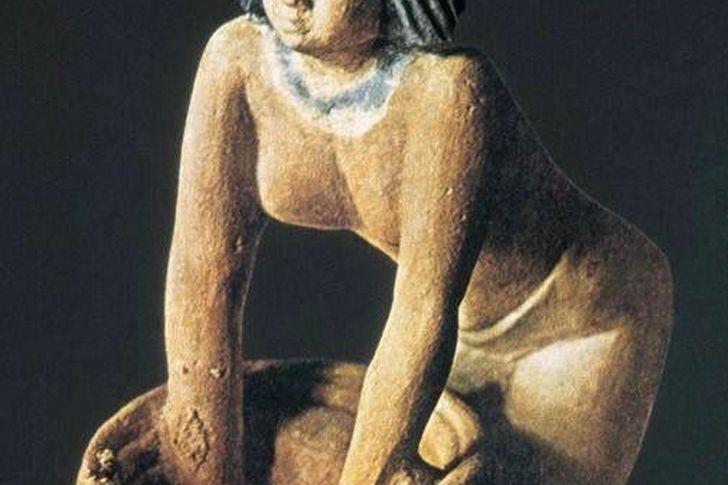 علاقة المصري القديم بالجعة