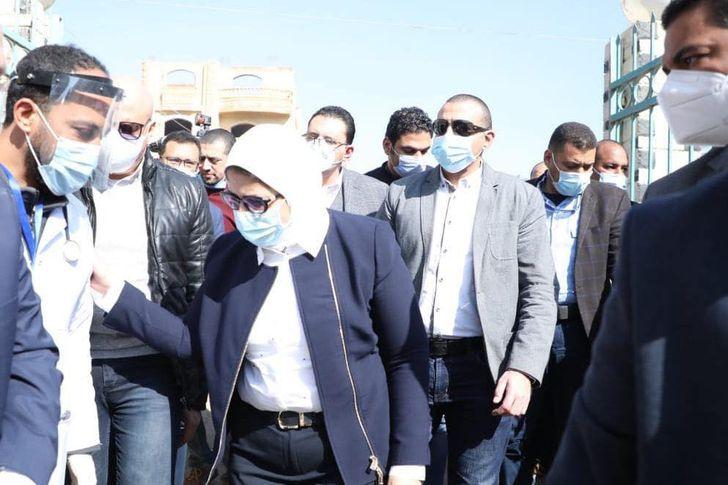 وزيرة الصحة تتفقد الوحدة الصحية بقرية الشيخ موسى بمحافظة الجيزة