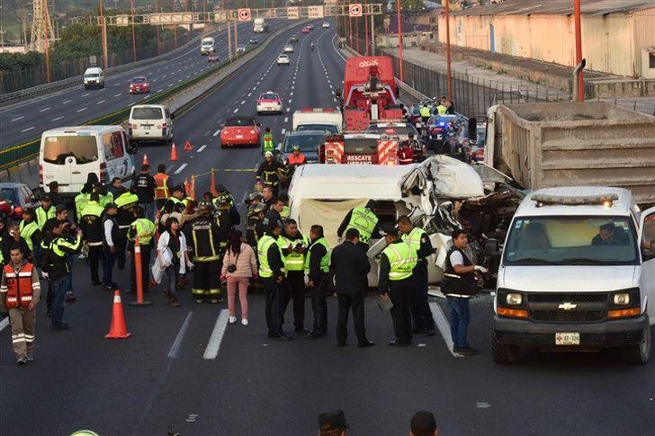 حادث تصادم مروع بالطريق السريع بالمكسيك