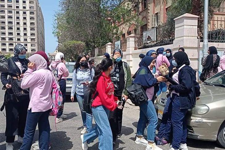 طالبات الثانوية العامة ببورسعيد