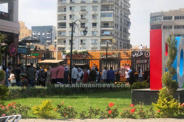 """ازدحام كبير بشارع ديليسبس """"منطقة الجراج"""" ببورسعيد"""