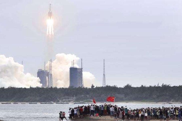 الصاروخ الصينى الخارج عن السيطرة