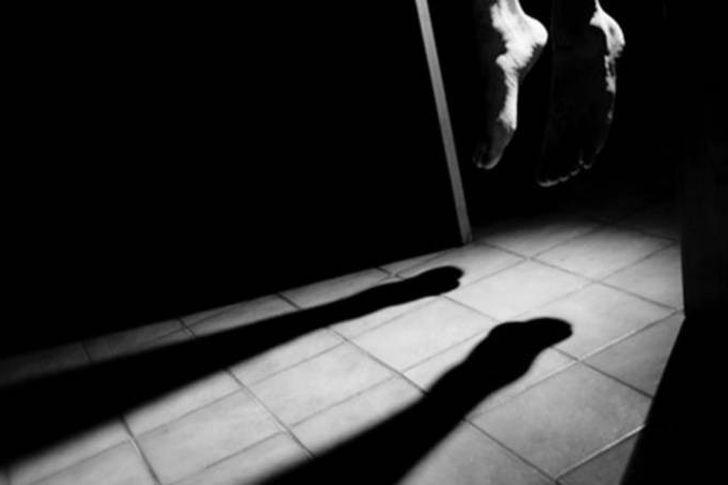 انتحار فتاة- صورة أرشيفية