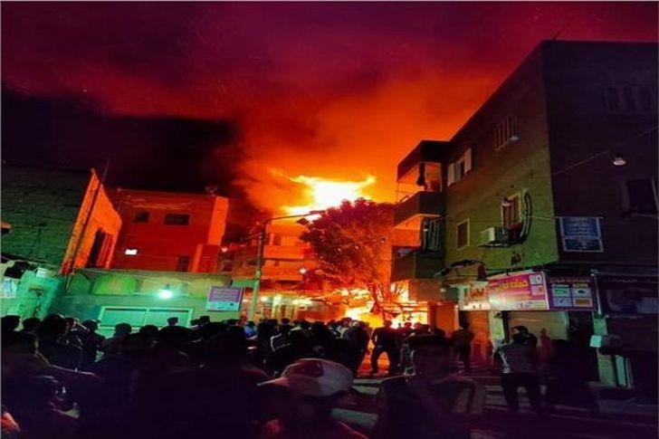 حريق هائل في عقار سكني بالكيت كات