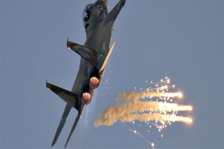 طائرات إسرائيلية تشن غارات على غزة