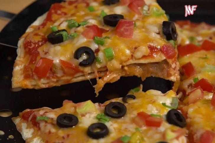 طريقة عمل البيتزا بالطريقة المكسيكية