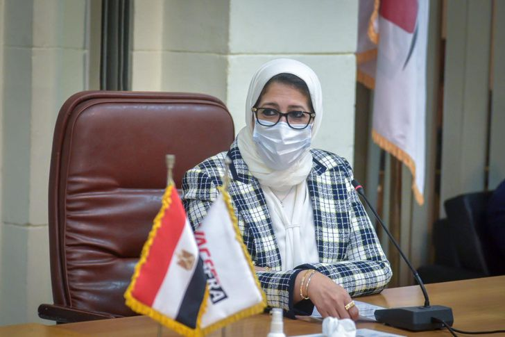 وزيرة الصحة والسكان