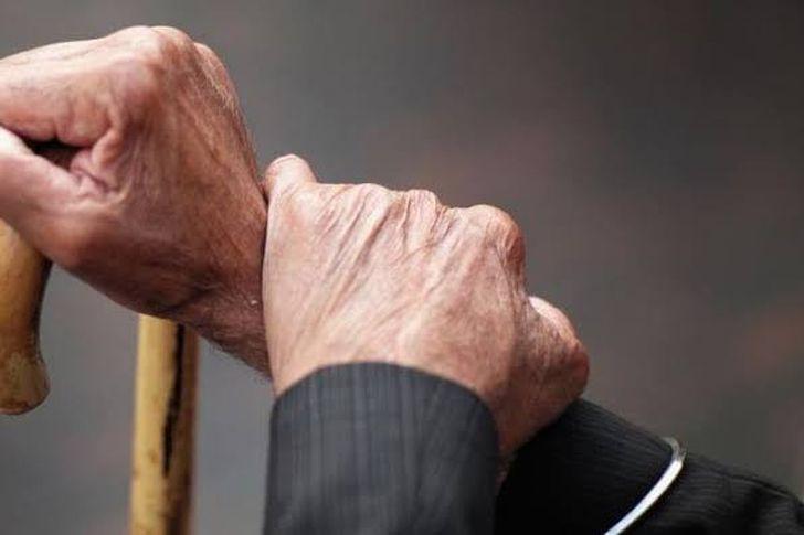 مُسن يلتقي بابنه المُختطف بعد 58 عامًا