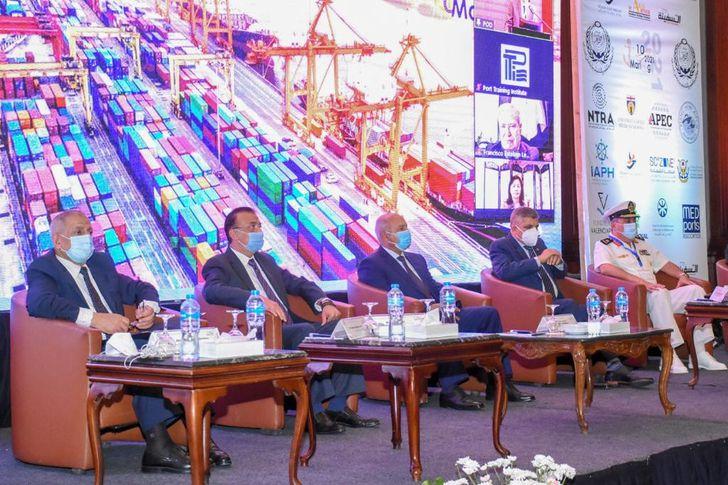 وزير النقل ومحافظ الإسكندرية يشهدان إفتتاح المؤتمر الدولي للنقل البحري واللوجستيات (مارلوج 10)
