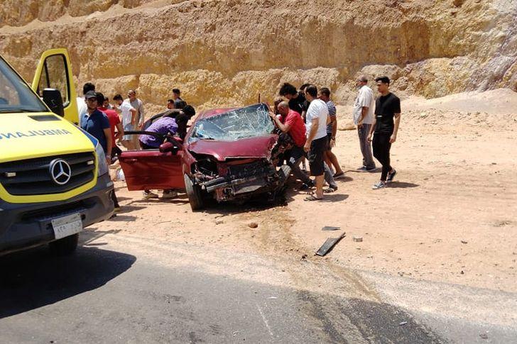 حادث تصادم سيارتين في سوهاج.. ارشيفية