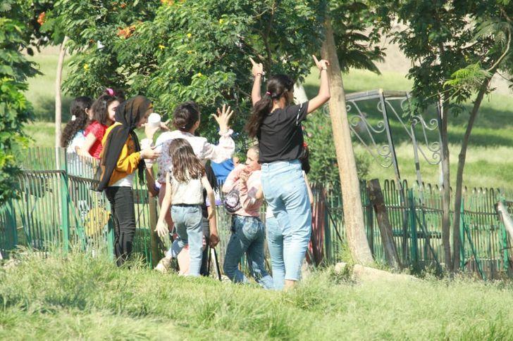 رقص فتيات في حديقة الفسطاط