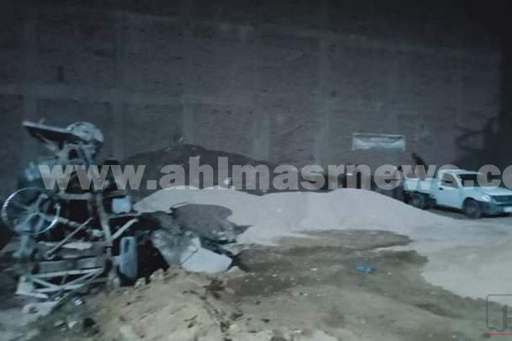 أثناء إيقاف البناء المخالف بمدينة الأقصر