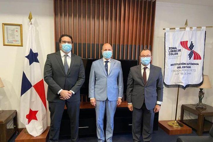 السفير المصري في بنما يلتقي المدير العام لمنطقة كولون الحرة