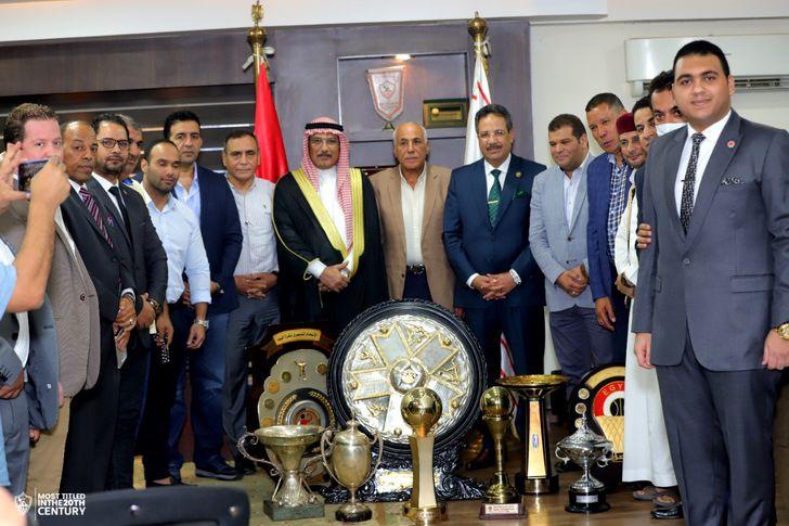 حسين لبيب يستقبل وفدًا من مجلس القبائل المصرية
