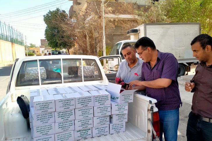 ضبط 980 برطمان عسل أسود يحمل علامة تجارية مقلدة لمنتج شهير ومغشوش  غرب الأقصر
