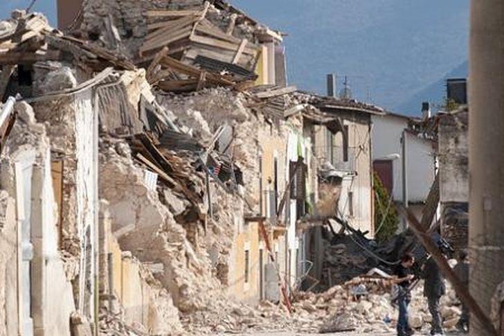 مخاطر الزلازل