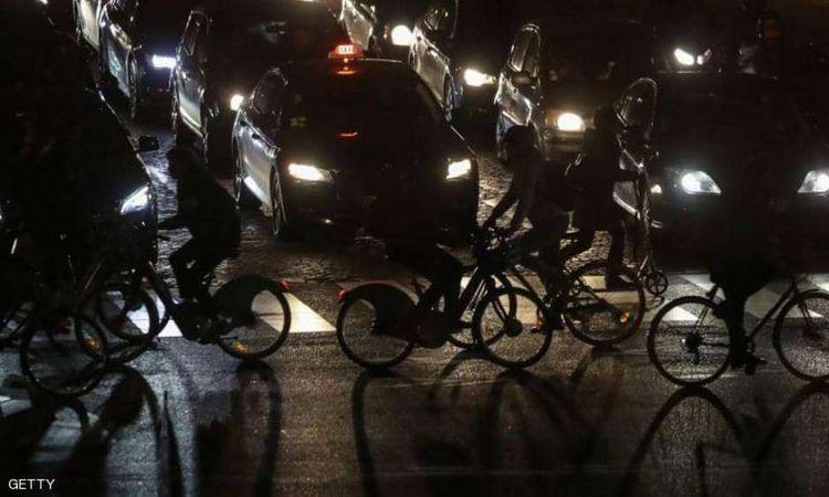 باريس.. إضرابات تسبب إرباكا مروريا