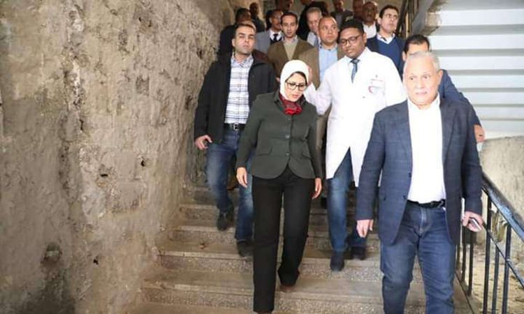 وزيرة الصحة بمستشفى الأقصر الدولي