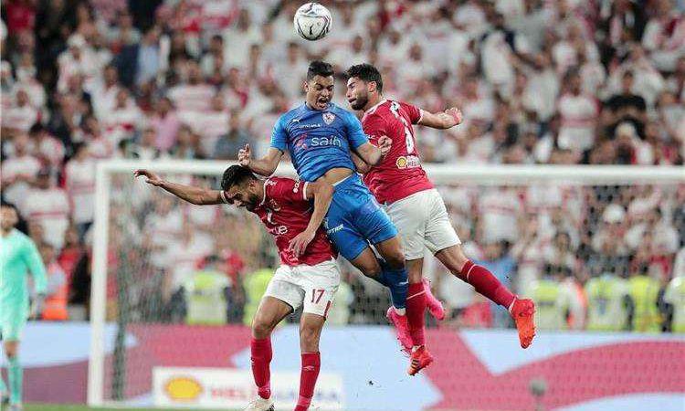الأهلي والزمالك من مباراة السوبر المصري في الإمارات