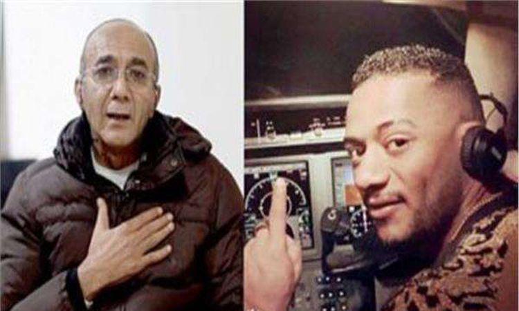 محمد رمضان وقائد الطائرة