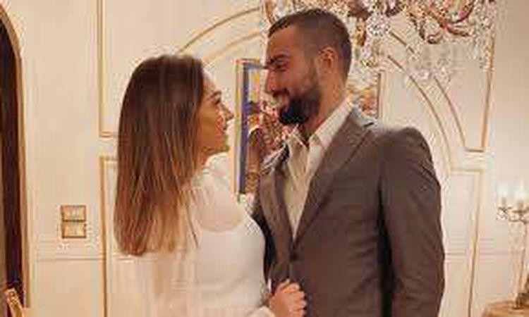 محمد الشرنوبي وخطيبته راندا رياض