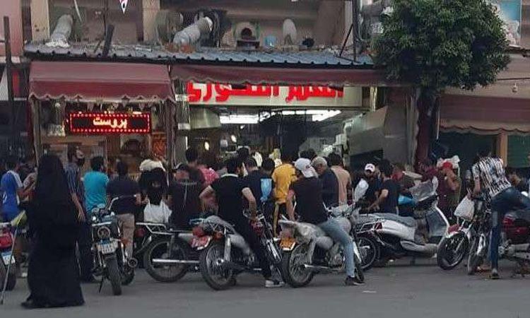 تكدس و تزاحم على مطاعم الوجبات السورية الجاهزة