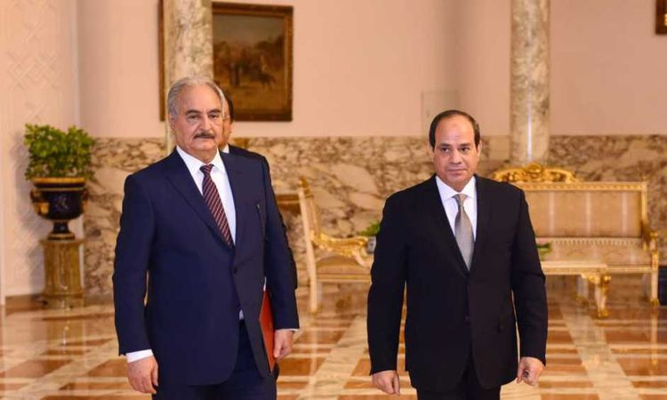السيسي يستقبل حفتر بمقر الاتحادية
